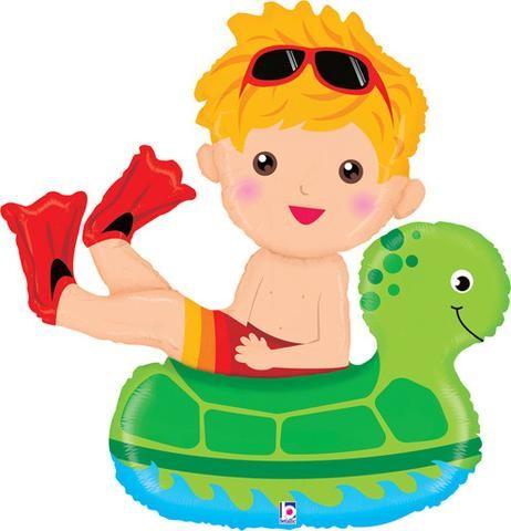 Junge im Schwimmring mit Schildkröte Folienballon